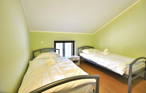 scr141_bed_03